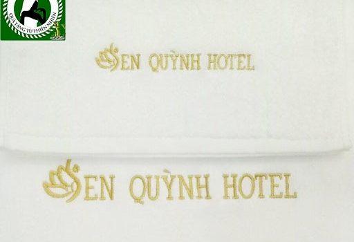 Khăn thêu logo khách sạn Sen Quỳnh