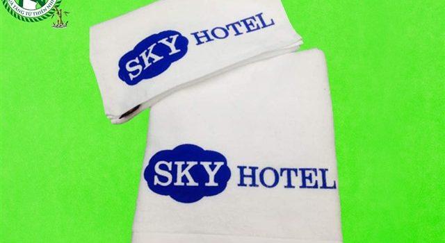 Khăn bông thêu logo khách sạn Sky