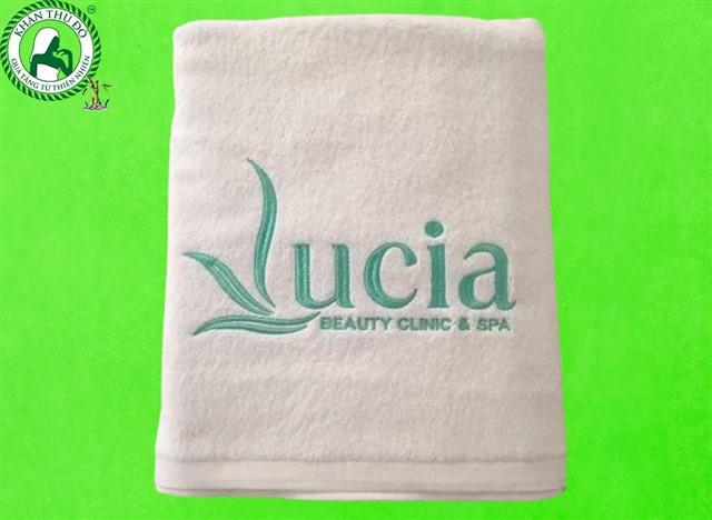 Khăn bông thêu logo Lucia