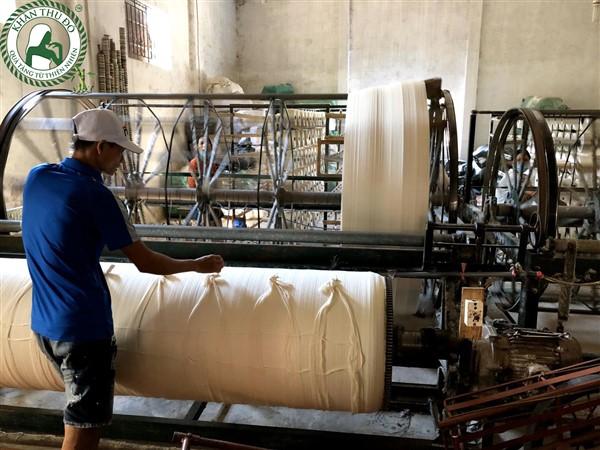 Góc xưởng sản xuất khăn quà tặng Thủ Đô